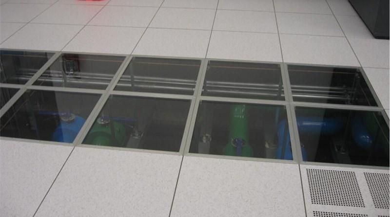 Glass Raised Floor Application